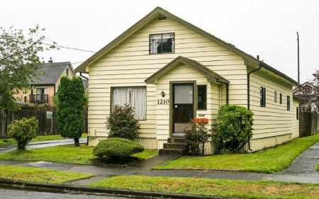 Kurt Cobain 8,000 square foot home at Denny Blaine,